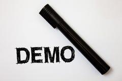 Wortschreibens-Text Demo Geschäftskonzept für Probe-Beta Version Free Test Sample-Vorschau von etwas Prototyp-Ideenmitteilungen w lizenzfreie stockfotografie