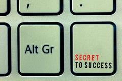 Wortschreibens-Text Geheimnis zum Erfolg Geschäftskonzept für unerklärte Erreichung des Ruhmreichtums oder des Sozialstatus stockfotos