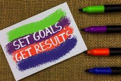Wortschreibens-Text gesetzte Ziele, erhalten Ergebnisse Geschäftskonzept für Establish Ziele arbeiten für, sie zu vollenden bunt lizenzfreie stockfotografie