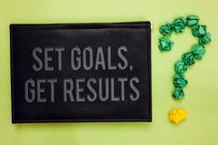 Wortschreibens-Text gesetzte Ziele, erhalten Ergebnisse Geschäftskonzept für Establish Ziele arbeiten für vollenden sie grüner hi lizenzfreie stockbilder