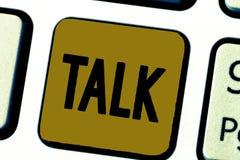 Wortschreibens-Text Gespräch Geschäftskonzept für Sprachheraus Eilideen und Gefühle stehen durch gesprochene Wörter sprechen in V lizenzfreie stockfotos