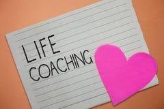 Wortschreibens-Text Lebensberatung Geschäftskonzept für Improve Leben durch Herausforderungen regt uns in unseren Karrieren an stockfotos
