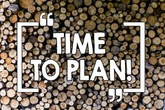 Wortschreibens-Text Zeit zu planen Geschäftskonzept für die Ideen-Entwicklungs-Moment-Strategie, die hölzerne Hintergrundweinlese stockfoto