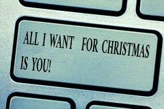 Wortschreibensaller Text, den ich für Weihnachten wünsche, ist Sie Geschäftskonzept für Feiertag in den Paaren feiern roanalysist stockfotos