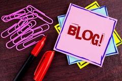 Wortschreibenstext Blog-Motivanruf Geschäftskonzept für Preperation des attraktiven Inhalts für die blogging Website an geschrieb Lizenzfreies Stockbild