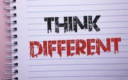 Wortschreibenstext denken unterschiedliches Geschäftskonzept für überdenken Änderung auf Vision erwerben neue Ideen Innovate gesc Stockfotografie