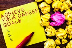 Wortschreibenstext erzielen Ihre Karriere-Ziele Geschäftskonzept für Reichweite für Berufsehrgeiz und Ziele lizenzfreie stockbilder