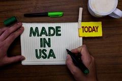 Wortschreibenstext hergestellt in USA Geschäftskonzept für amerikanische Marke Vereinigte Staaten stellte lokalen Produkt Mann he lizenzfreie stockbilder