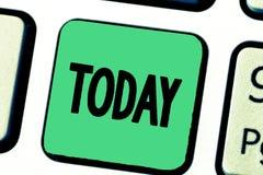 Wortschreibenstext heute Geschäftskonzept während dieser anwesenden Tagaktuellen periode der Zeit auf Kalender nahe bei yesturday stockbild