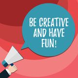 Wortschreibenstext ist kreativ und hat Spaß Geschäftskonzept für die glücklichen schaffenden neuen Sachen, die HU-Analyse Hand de lizenzfreie abbildung