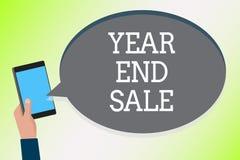 Wortschreibenstext Jahr und Verkauf Geschäftskonzept für Jahresrückvergütungs-Ferienzeit-Freigabe traditionellen Mann, der Handy  vektor abbildung