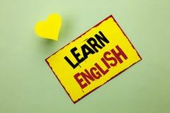 Wortschreibenstext lernen Englisch Geschäftskonzept für Studie eine andere Sprache lernen etwas die fremde Mitteilung, die auf Sc stockbild