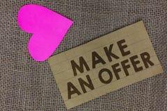 Wortschreibenstext machen ein Angebot Geschäftskonzept für Antrag holen oben freiwilligen Proffer schenken Angebot Grant Piece qu lizenzfreies stockbild