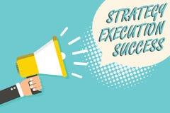Wortschreibenstext Strategie-Durchführungs-Erfolg Geschäftskonzept für das Setzen des Planes oder der Liste und Anfang, der sie w stockfotos