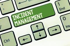 Wortschreibenstext Vorfall-Management Geschäftskonzept für Prozess zur Gegenleistung zu den normalen korrekten Gefahren stockbild