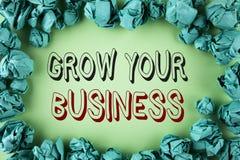 Wortschreibenstext wachsen Ihr Geschäft Geschäftskonzept für verbessern Ihre Arbeit vergrößern die Firma überwundenen Konkurrente lizenzfreies stockfoto