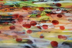 Woskowatej akwareli abstrakcjonistyczny tło w żywych odcieniach Zdjęcie Royalty Free