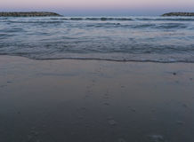 Woter της θάλασσας το πρωί σε Herzliya Στοκ φωτογραφία με δικαίωμα ελεύθερης χρήσης