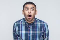 Wow! Πορτρέτο του επιχειρηματία με τη συγκλονισμένη έκφραση του προσώπου Στοκ Φωτογραφίες
