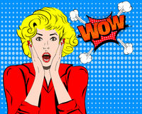 wow Fronte di wow Espressione di wow Donna sorpresa con il vettore aperto della bocca Pop art Wonder Woman Emozione di wow Wow co illustrazione di stock