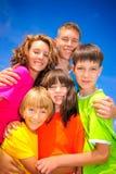 wpólnie chwytów rodzeństwa Zdjęcie Stock