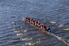 WPI compete na cabeça da faculdade Eights de Charles Regatta Men Fotos de Stock
