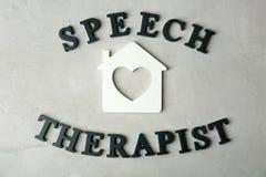 Wpisowy mowa terapeuta robić zdjęcie royalty free