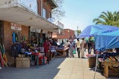 Wprowadzać na rynek na ulicie w Francis miasteczku, Botswana Zdjęcia Royalty Free