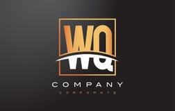 WQ de Gouden Brief Logo Design van W Q met Gouden Vierkant en Swoosh Stock Fotografie