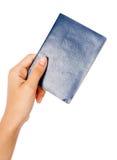 wręcza mienie paszport Fotografia Stock