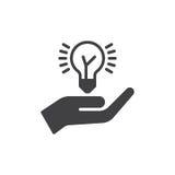 Wręcza mienie pomysłu żarówki ikony wektor, wypełniający mieszkanie znak, stały piktogram odizolowywający na bielu Pomysł dzieli  Obrazy Stock