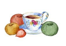 Wręcza patroszoną akwareli filiżankę herbaciane i kolorowe piłki przędza Obraz Stock