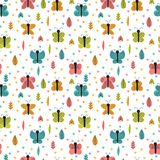 Wręcza patroszonego bezszwowego wzór z motylami i ćma Eleganccy dekoracyjni elementy Kreatywnie scandinavian dziecięcy tło Zdjęcie Stock