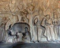 Wręcza rzeźbiącego obraz znajdującego na ścianie w Południowym India Fotografia Royalty Free