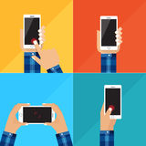Wręcza trzymać białego smartphone, wzruszający pusty czerń ekran Używać mobilnego mądrze telefon, płaski projekta pojęcie Obraz Royalty Free