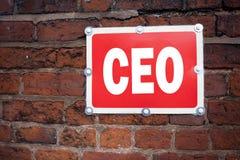 Wręcza writing teksta podpisu inspirację pokazuje CEO pojęcia znaczeniu Operacyjnego lidera dyrektora wykonawczego prezydenta pis Zdjęcia Stock