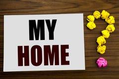 Wręcza writing teksta podpisu inspirację pokazuje Mój dom Biznesowy pojęcie dla Domowej nieruchomości miłości pisać na białym nut zdjęcia stock