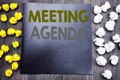 Wręcza writing teksta podpisu inspirację pokazuje spotkanie agendę Biznesowy pojęcie dla Biznesowego rozkładu planu Pisać na note Zdjęcia Stock