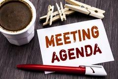 Wręcza writing teksta podpisu inspirację pokazuje spotkanie agendę Biznesowy pojęcie dla Biznesowego rozkładu planu pisać na klei Fotografia Stock