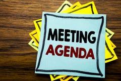 Wręcza writing teksta podpisu inspirację pokazuje spotkanie agendę Biznesowy pojęcie dla Biznesowego rozkładu planu pisać na klei Obraz Stock
