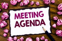 Wręcza writing teksta podpisu inspirację pokazuje spotkanie agendę Biznesowy pojęcie dla Biznesowego rozkładu planu pisać na klei Fotografia Royalty Free