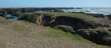 Wrażenia od fortu Bragg szkła plaży od Kwietnia 28, 2017, Kalifornia usa zdjęcie stock