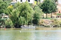 Wrak cumował na Hiszpańskim brzeg Rio Guadiana fotografia royalty free