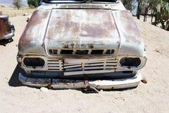 Wrak en verlaten auto de woestijn in van Nairobi, Kenia, Afrika royalty-vrije stock fotografie