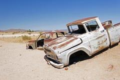 Wrak en verlaten auto de woestijn in van Nairobi, Kenia, Afrika royalty-vrije stock afbeelding