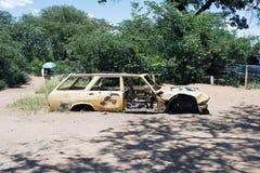 Wrak en verlaten auto de woestijn in van Nairobi, Kenia, Afrika stock afbeelding