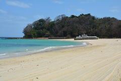 Wrak na Isla Contadora wyspie w Panama fotografia stock