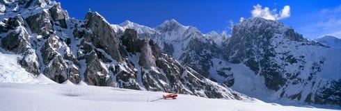 wrangell st волынщика национального парка elias новичка Аляски bush самолета супер стоковое изображение rf