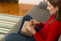 Wrapping presents Royalty Free Stock Images