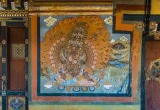 Wrathful буддийский протектор, настенная живопись Trongsa Dzong, искусства Бутана стоковые фотографии rf